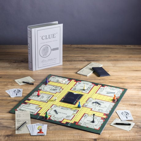 Vintage Bookshelf Board Games: Clue