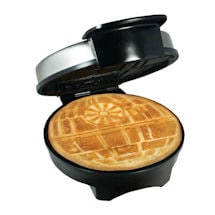 Star Wars™ �Death Star Waffle Maker